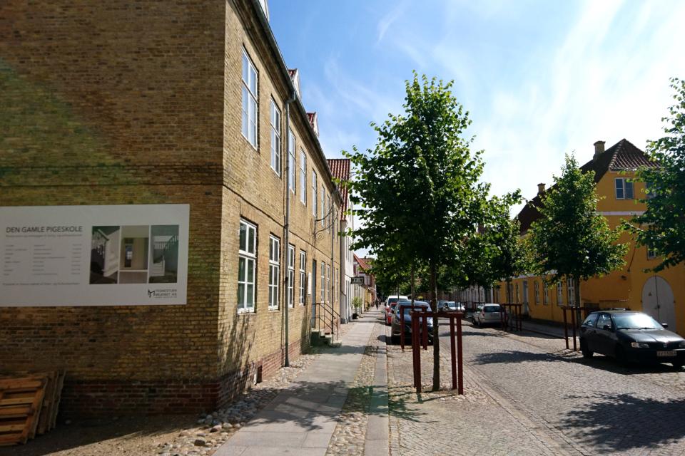 Здание старой школы для девушек, г. Кристиансфельд / Christiansfeld, Дания