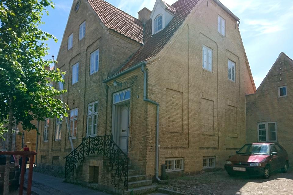 Дом священника. Фото 17 июл. 2019, г. Кристиансфельд / Christiansfeld, Дания