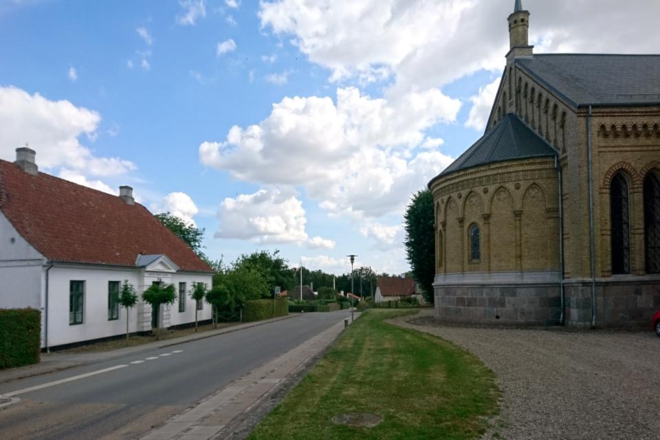 здание Фонда Кристины Фридерики, Тюструп церковь, Кристиансфельд, Дания