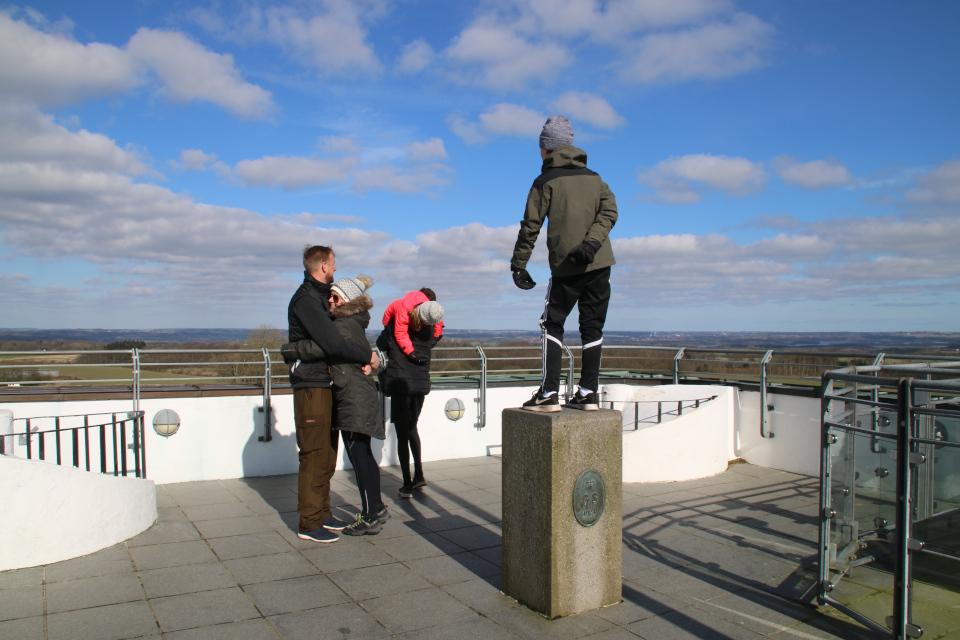 На смотровой башне. Фото 14 мар. 2020, Айер-Бавнехой / Ejer Bavnehøj, Дания