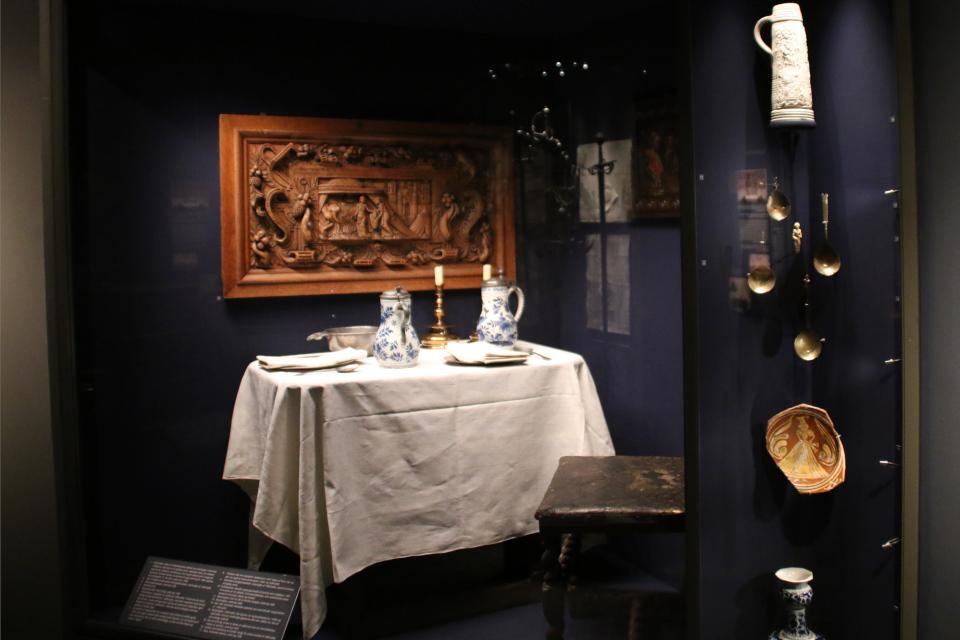 Выставка предметов старинных замков, расположенных в г. Рандерс
