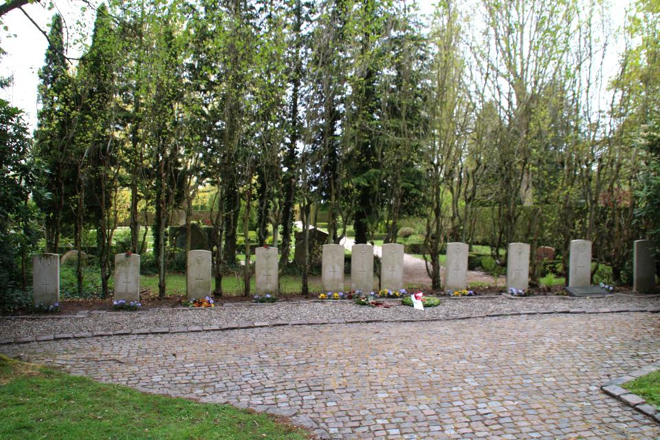 Место захоронения солдат Английской армии на кладбище Вестре Киркегорд