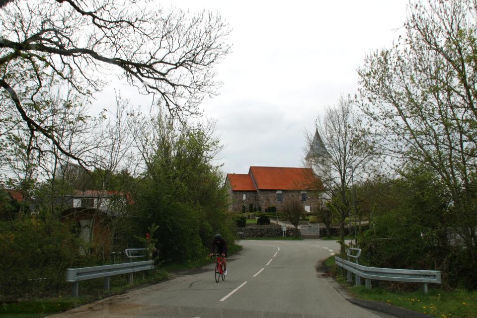 Церковь в Борум, Дания. Фото 13 мая 2021