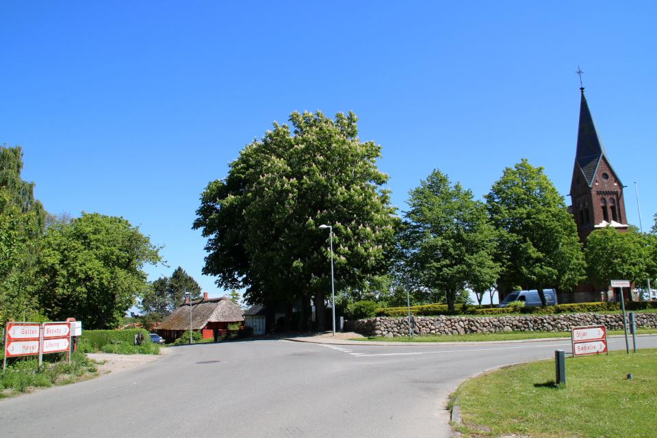 Церковь Сторринг / Storring kirke. Фото 29 мая 2020, г. Гальтен / Galten, Дания.