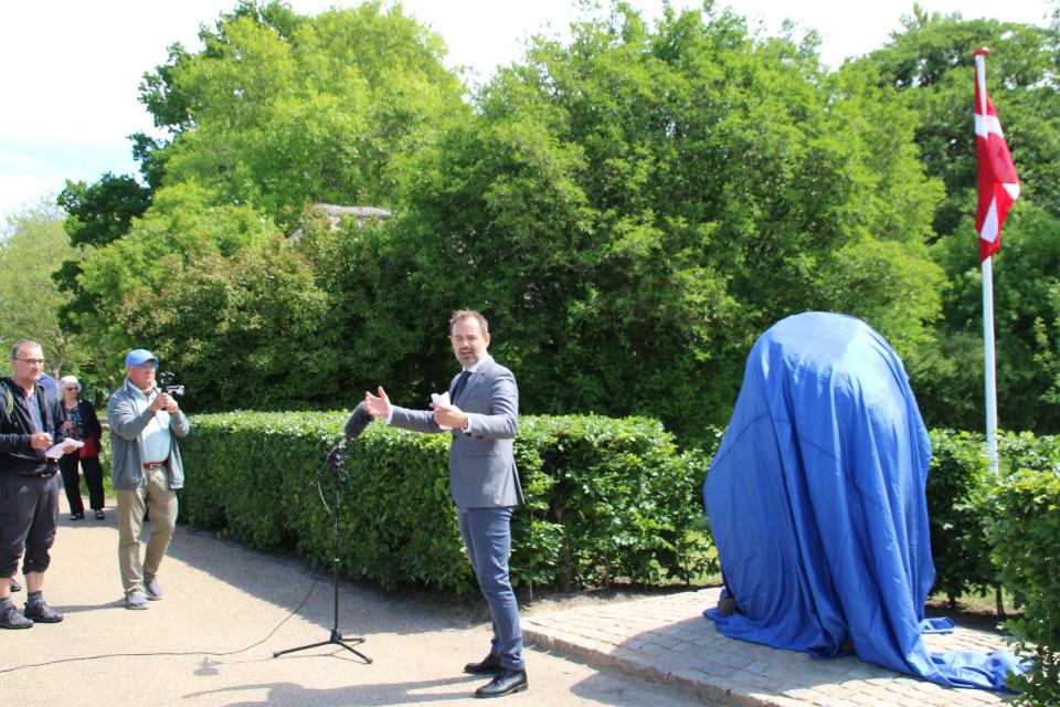 Выступает Якоб Бундесгорд (Jacob Bundsgaard) - мэр г. Орхус, Дания