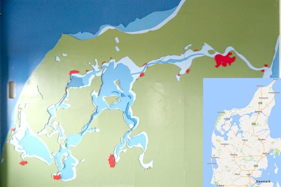 Карта, показывающая мелководье в центральной части Лимфьорд