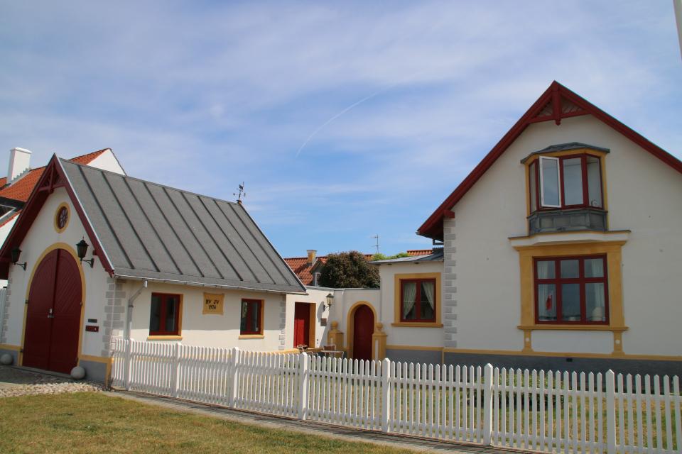 Красивый домик с флюгером на крыше, г. Лёгстёр / Løgstør, Дания