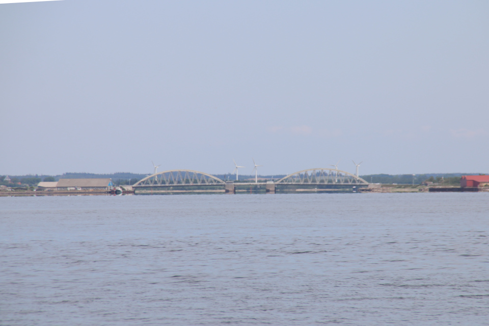 Мост Аггерсунд (Aggersundbroen) через пролив Лимфьорд