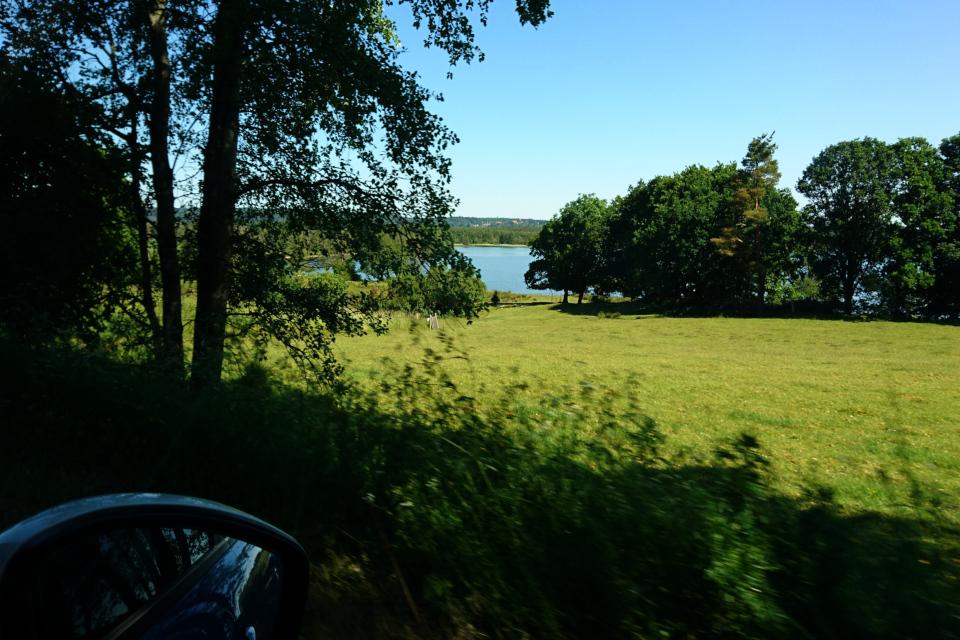 Вид с дороги на озеро Моссё / Mossø, Дания
