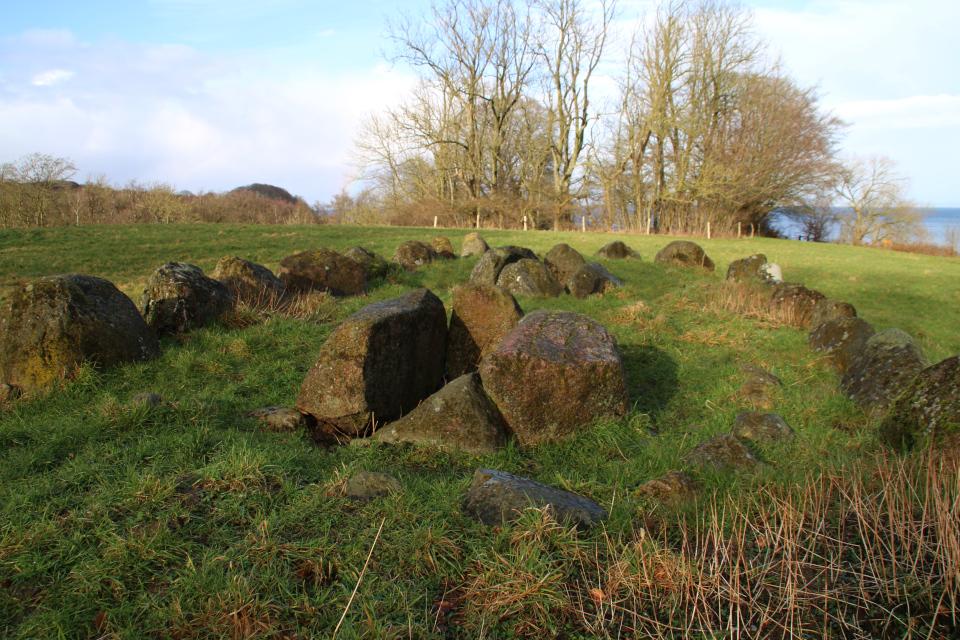Дольмен, сооруженный в конце каменного века, Дания