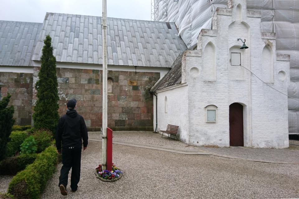 Церковь Римсё / Rimsø Kirke, Дания. Фото 24 мая 2020