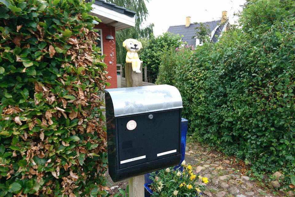 Украшенный почтовый ящик. Фото 30 июн. 2020, г. Алкен / Alken, Дания