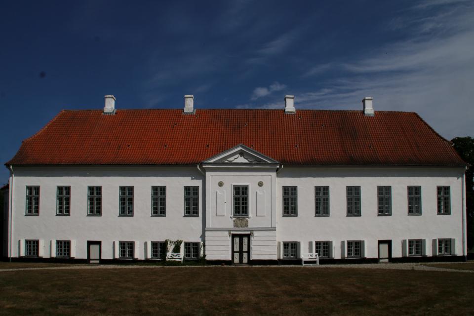 Вид на замок Фуссингё с южной стороны