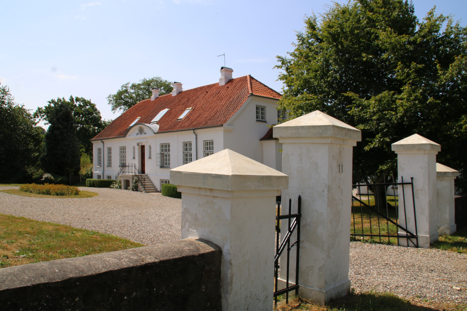 Кирпичный дом возле замка Фуссингё. Фото 20 июн. 2018, Рандерс / Randers, Дания