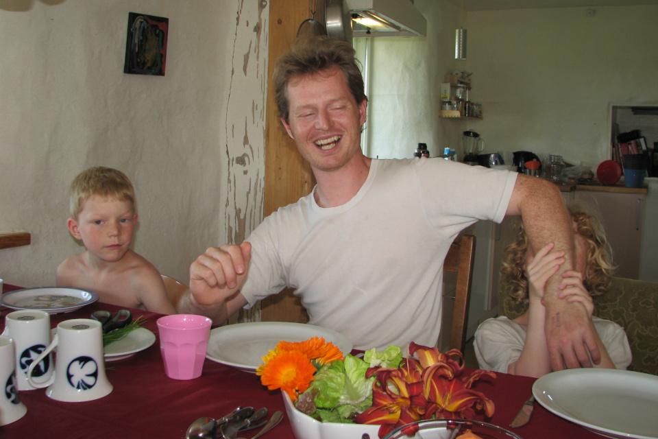 Салат с календулой и лилейником