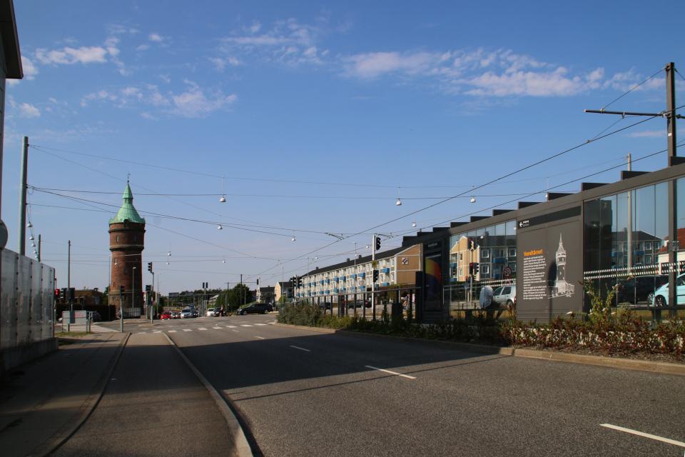 Водонапорная башня Рандерсвай на углу кольцевой дороги и Randersvej, Дания
