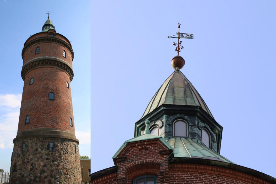 Водонапорная башня Рандерсвай и флюгер на крыше из меди