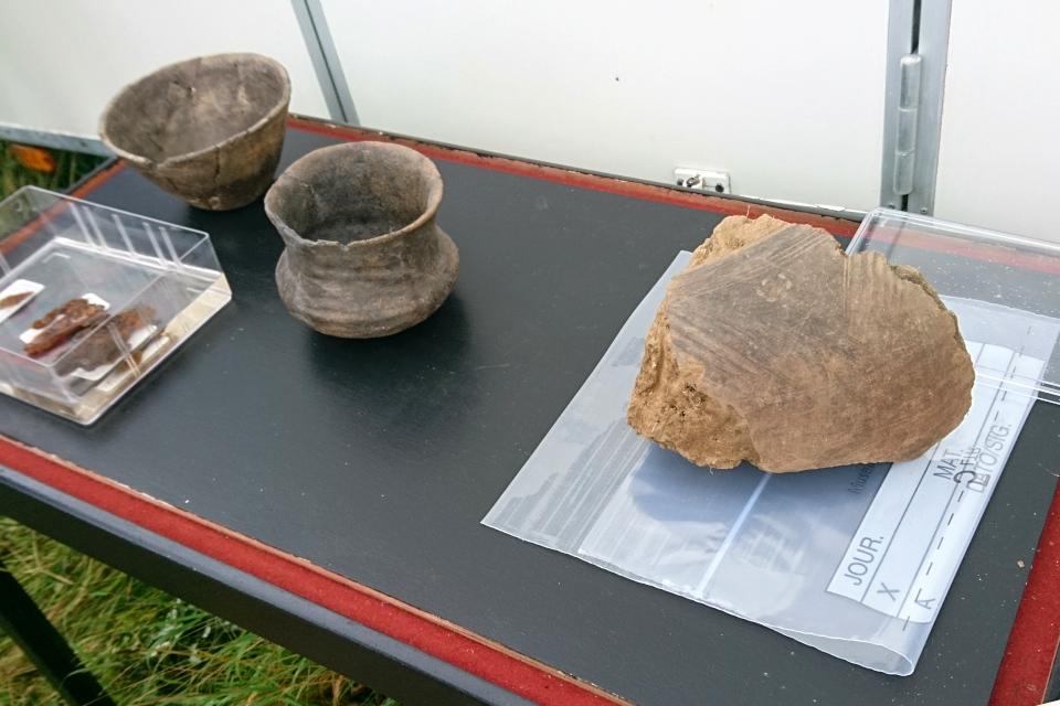Открытая археология в Граубалле - часть сохранившейся глиняной посуды