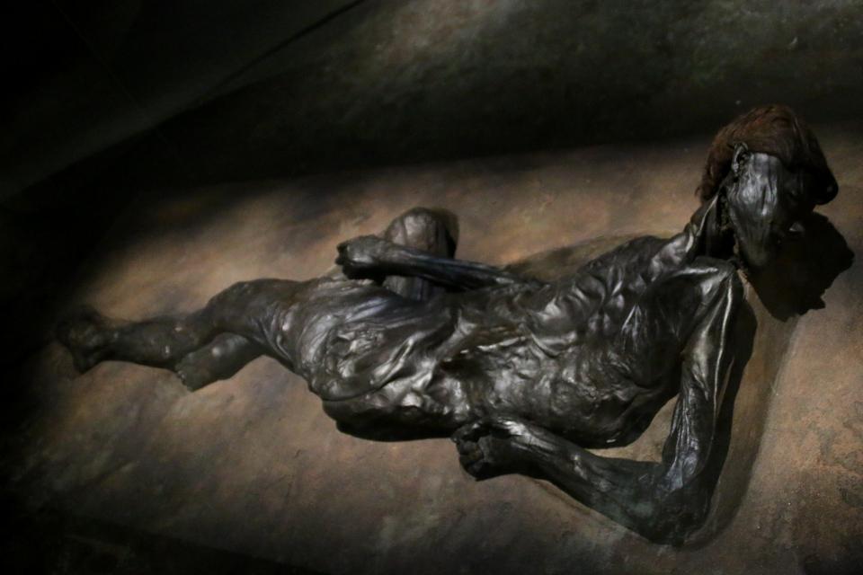 Человек из Граубалле в музее Мосгорд / Moesgaard museum, г. Хойбьерг