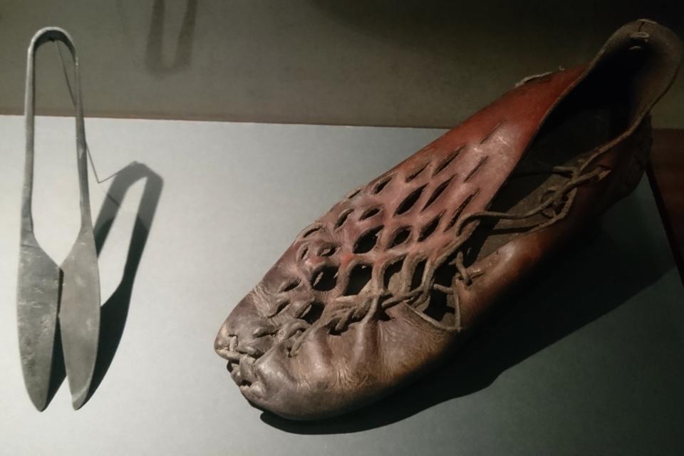Реконструкция обуви, которую мог носить человек из Граубалле