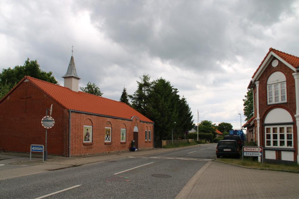 Сербская православная церковь с бывшей башенкой