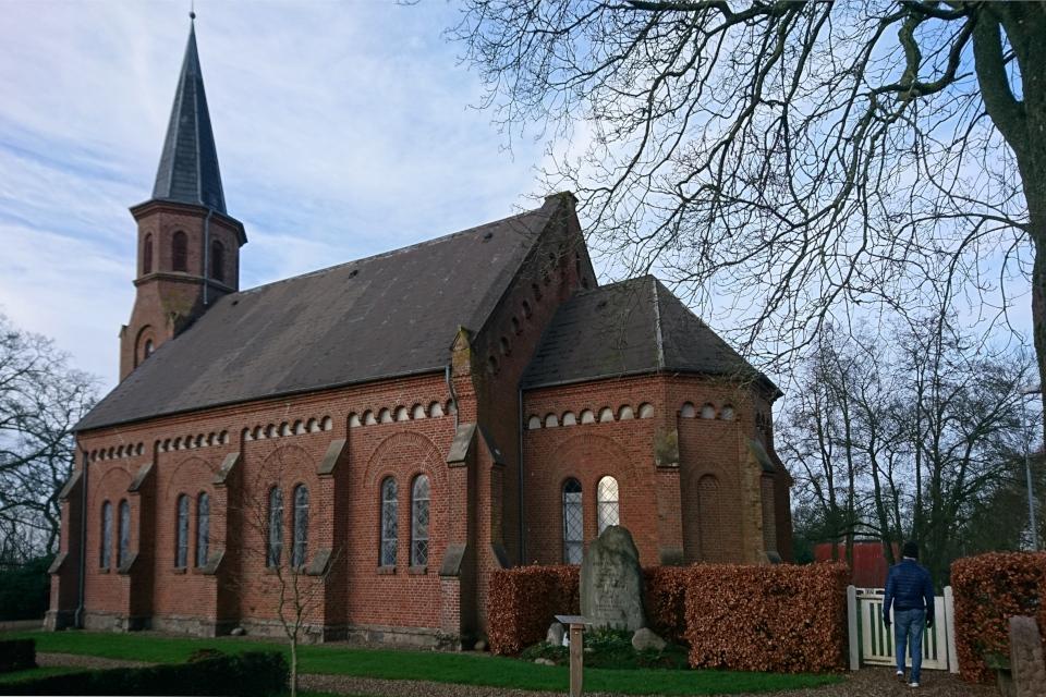 Церковь Беринга (Bering Kirke), г. Хасселэге / Hasselager, Дания