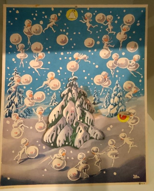 Старый рождественский календарь в музее Хорсенс, Дания. 29 нояб. 2020