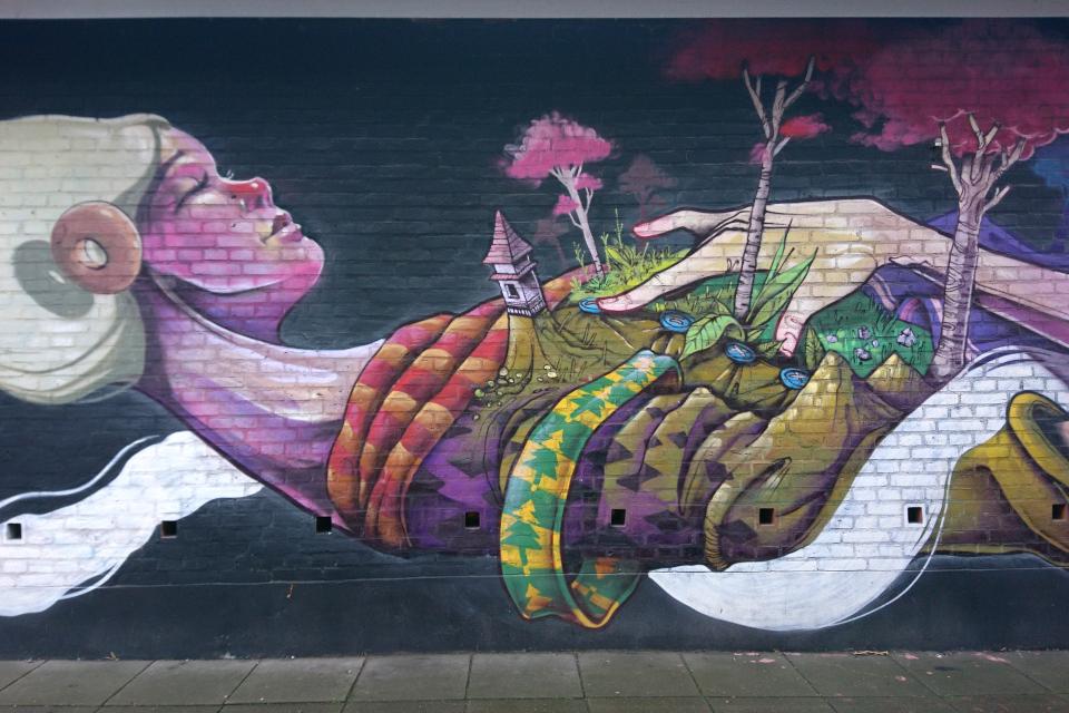 Исаак Малаккай (Isaac Malakkai), стрит-арт, Орхус, Дания
