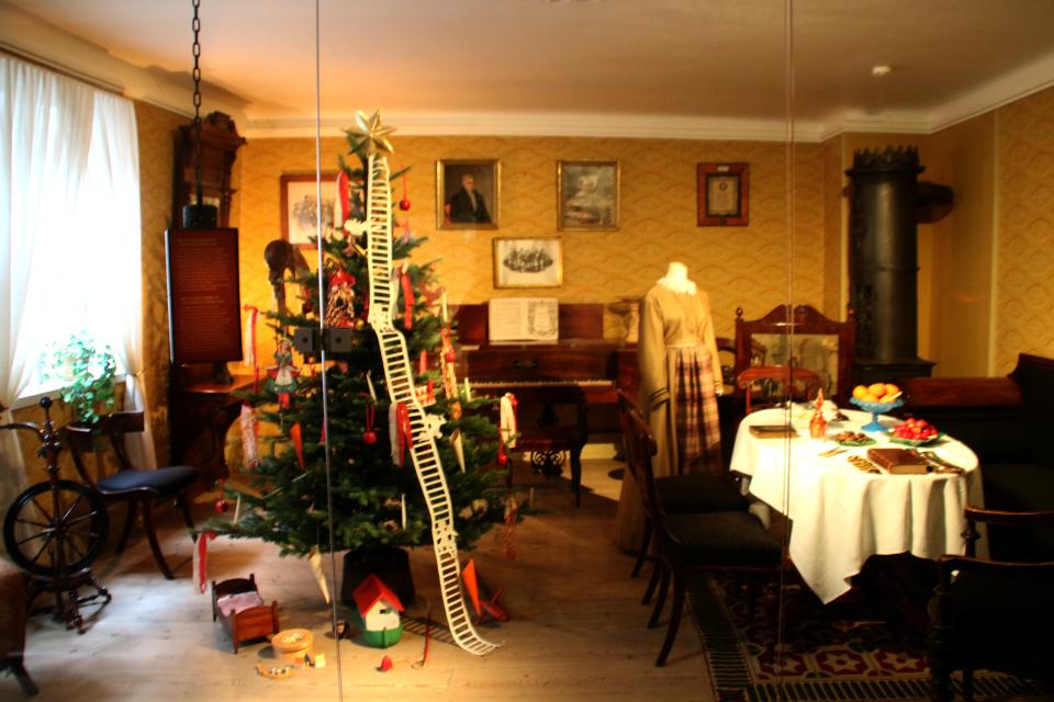 Рождественская елка со звездой и лестницей Иакова