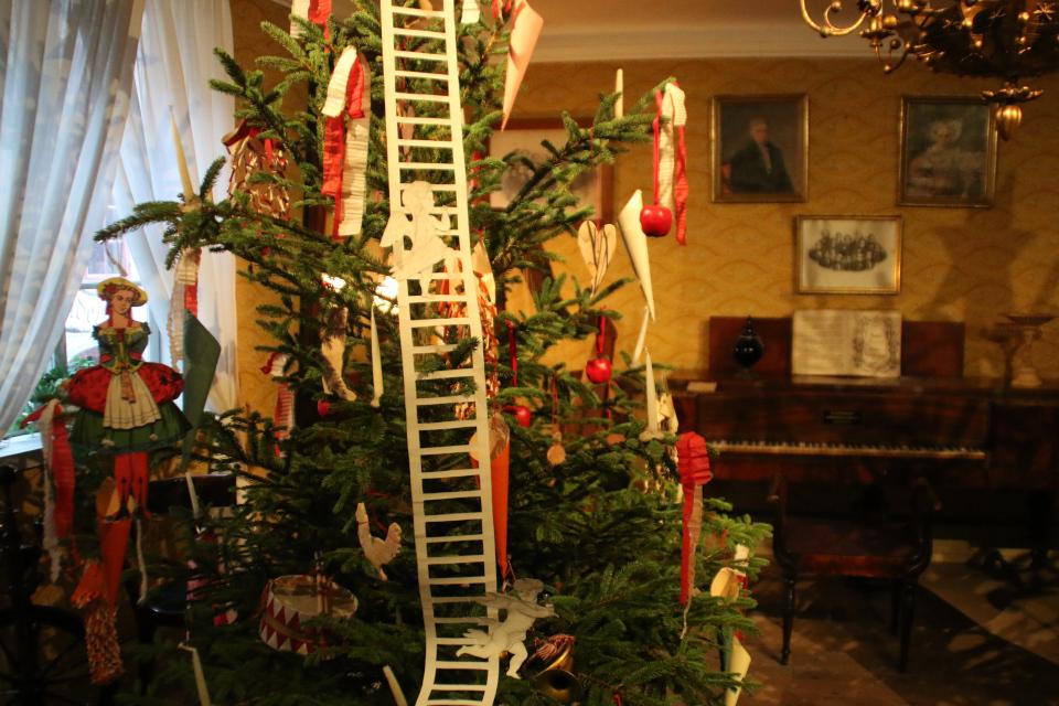Лестница Иакова на рождественской елке 1848 года