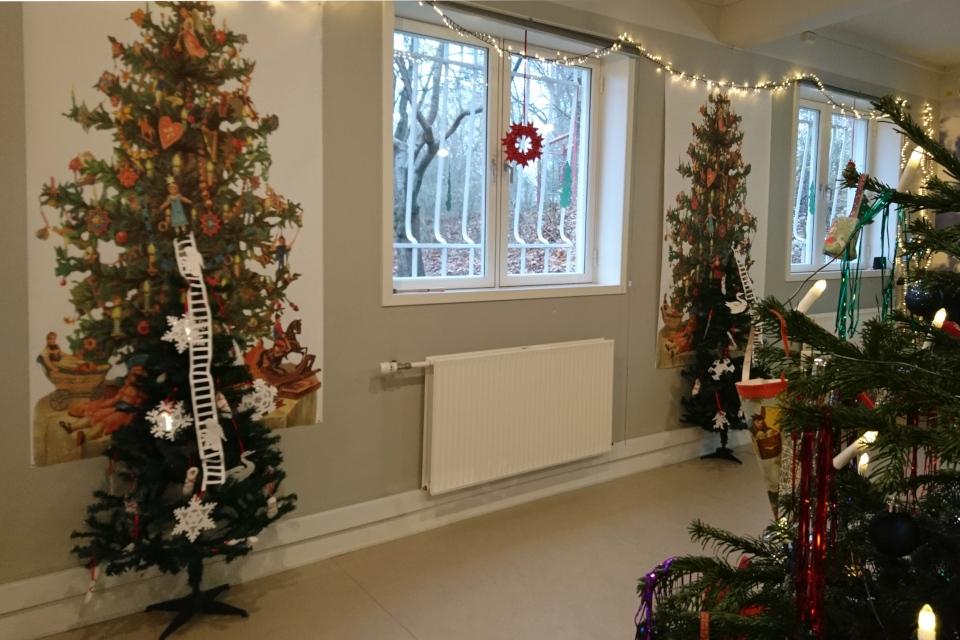 Рождественские елки в стиле ретро с лестницами Иакова