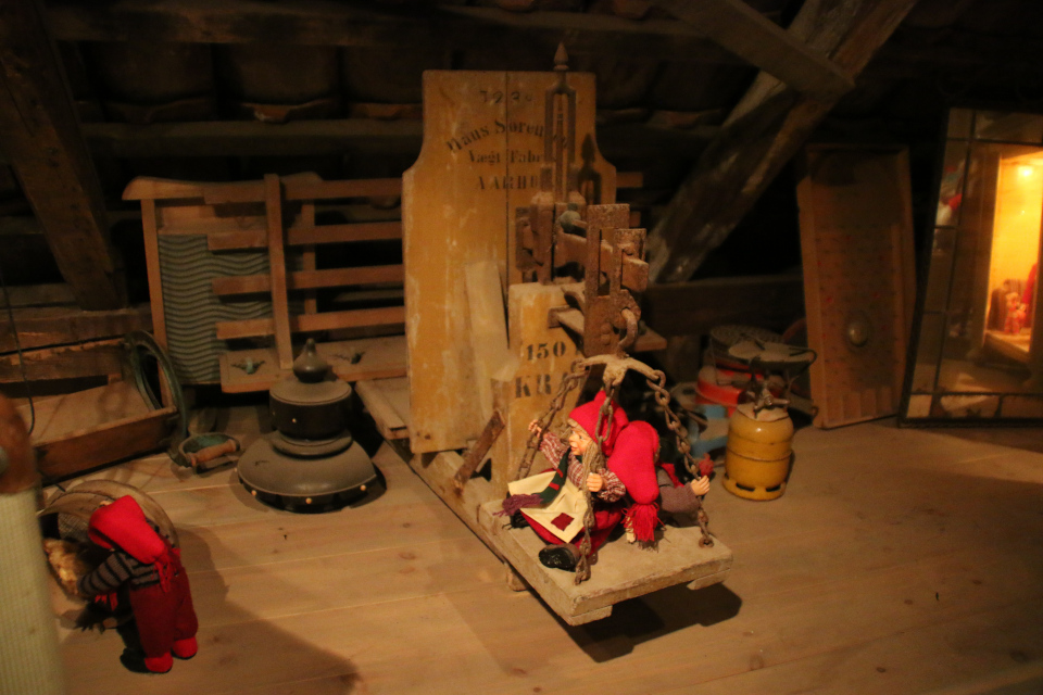 Ниссе на чердаке, музей Старый Город. Фото 24 дек. 2018