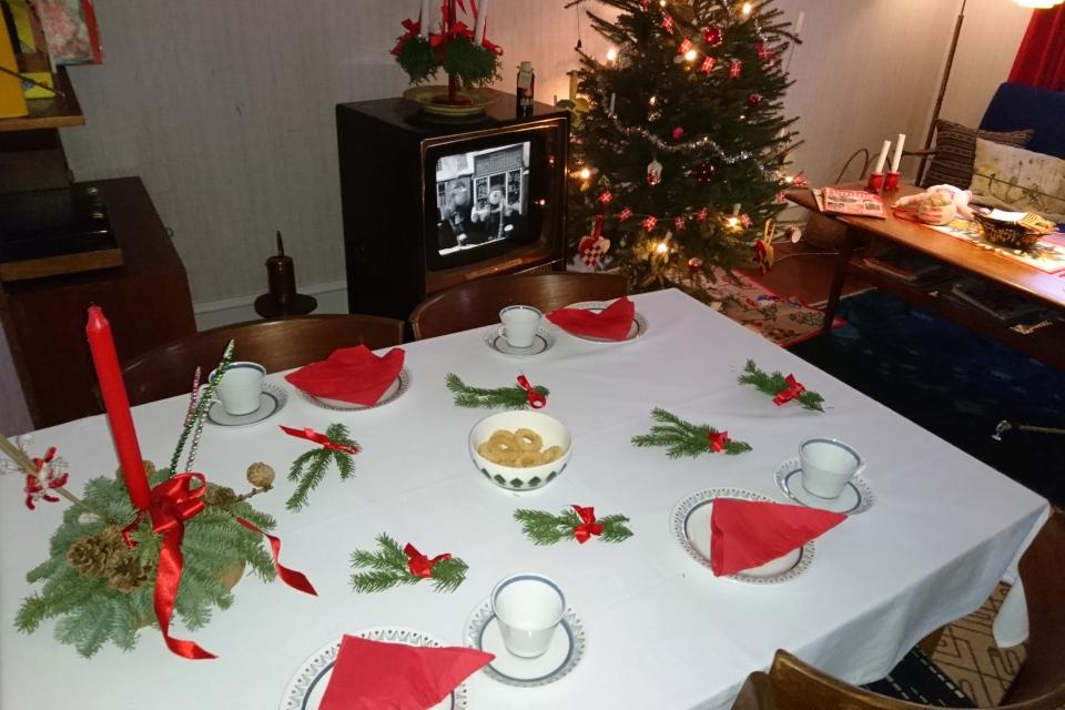 Предрождественский вечер в комнате 1974 года