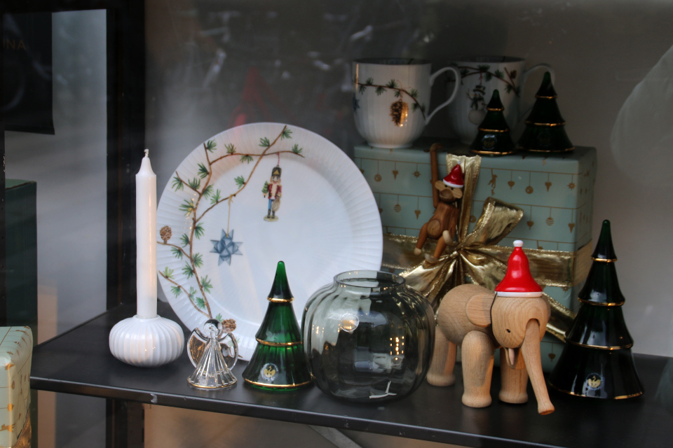 Рождественская звездочка на тарелке