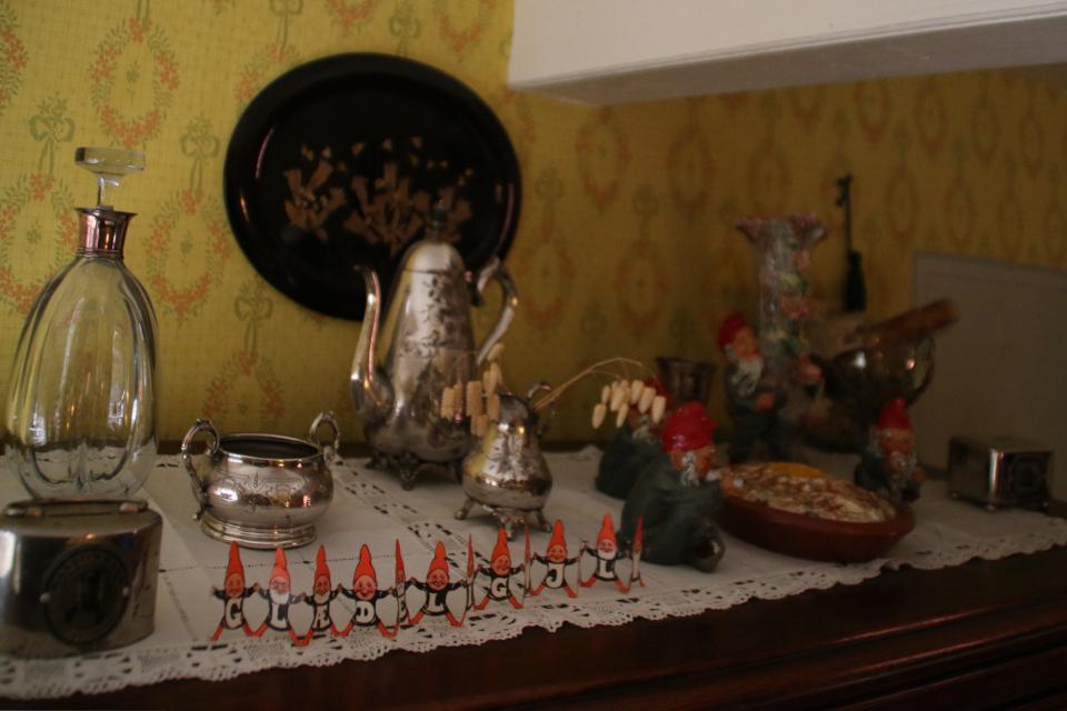 Рождественские домовые - ниссе в доме Южной Ютландии в 1927 году