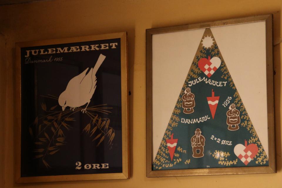 Рождественская почтово-благотворительная марка (julemæeket) 1955 года