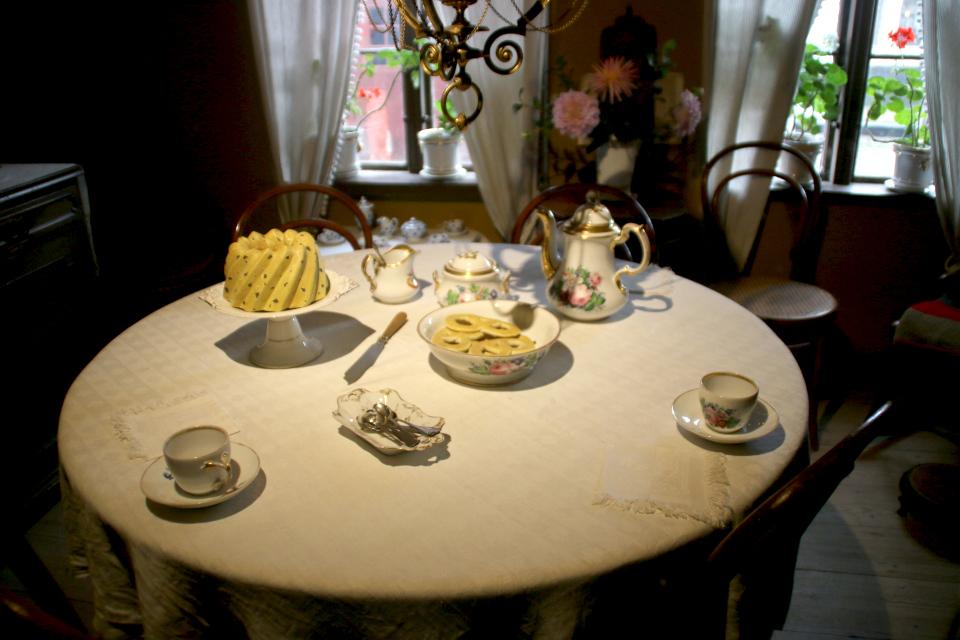 Сладкий стол зажиточных датчан в доме с обстановкой 1864 года