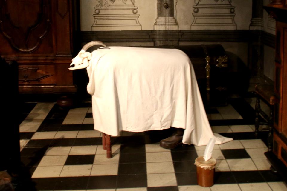 Рождественский козёл в в зале бургомистра
