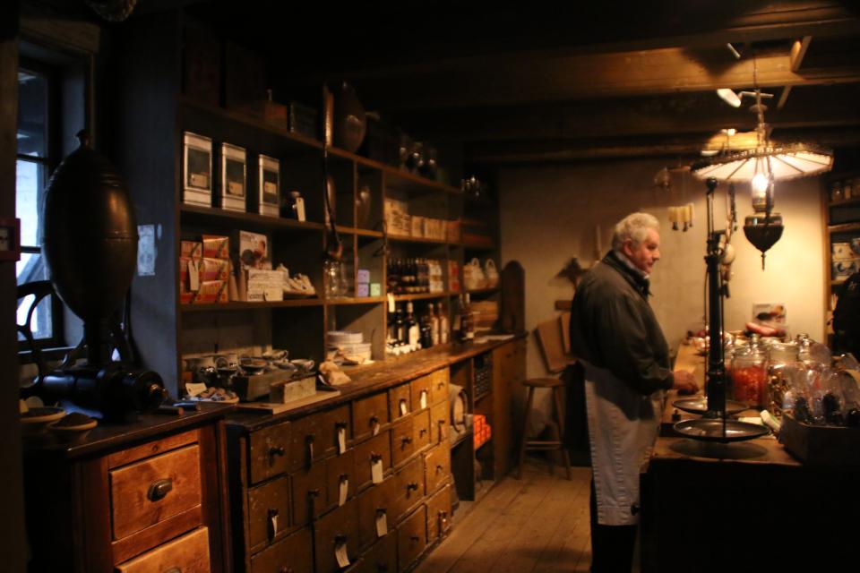 Магазин купца в Старом Городе, г. Орхус, Дания. Фото 25 нояб. 2019