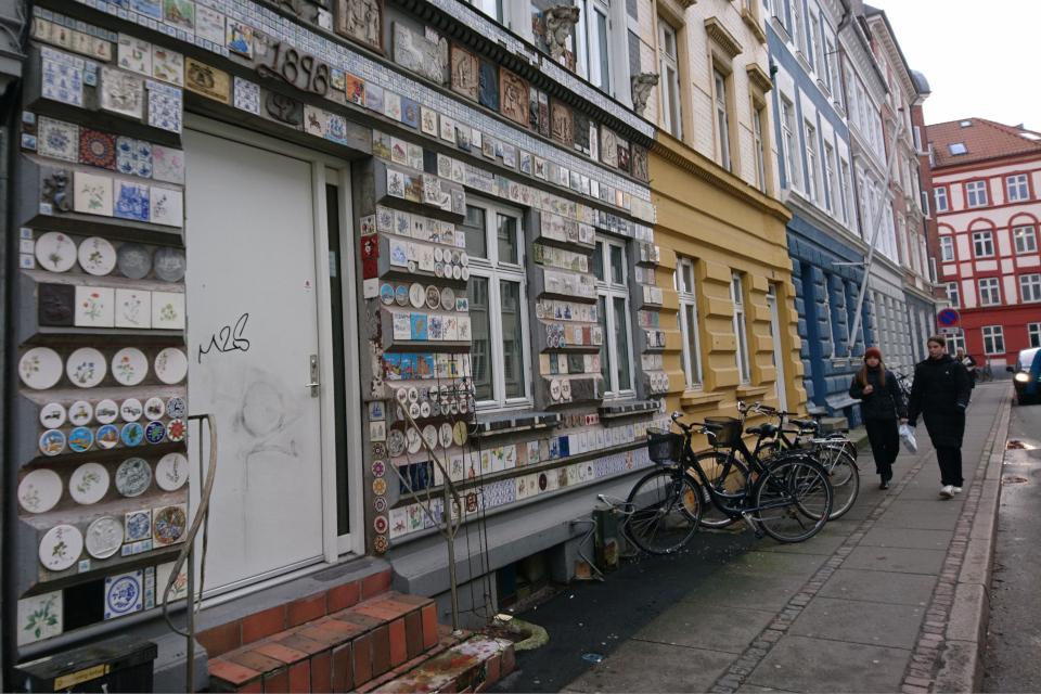 Дом с украшенным фасадом. Фото 22 янв. 2021, Орхус, Дания