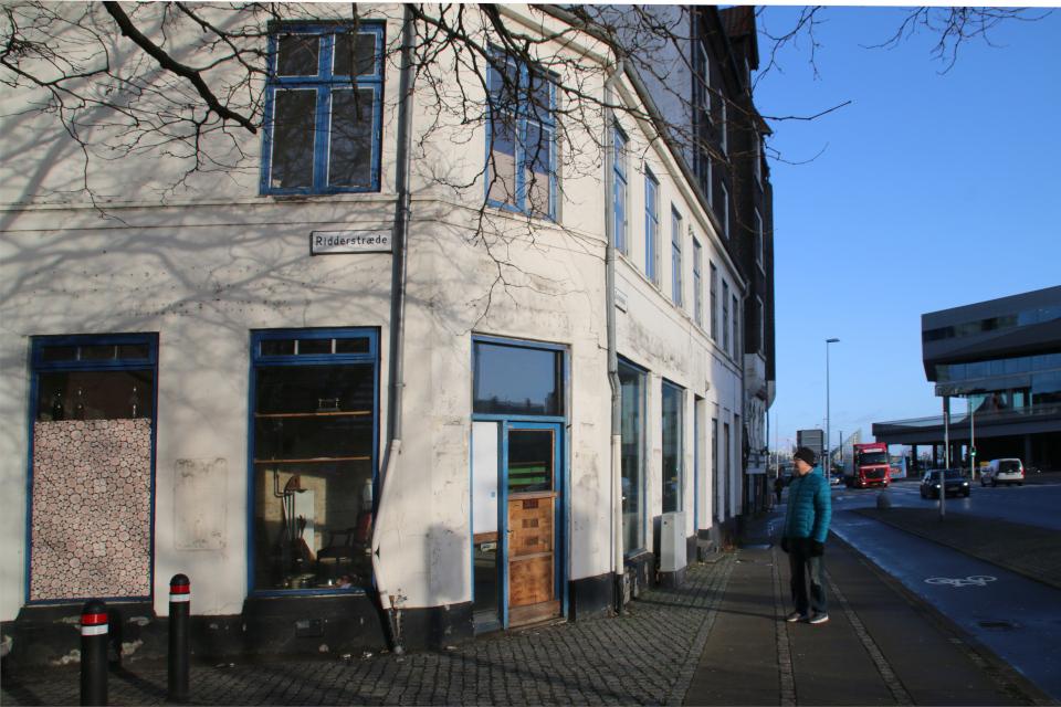 Старый магазин закрыт перед сносом исторического здания