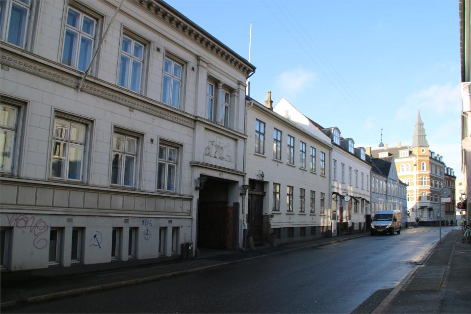 Историческая застройка улицы Mindegade. Фото 22 янв. 2021, г. Орхус, Дания
