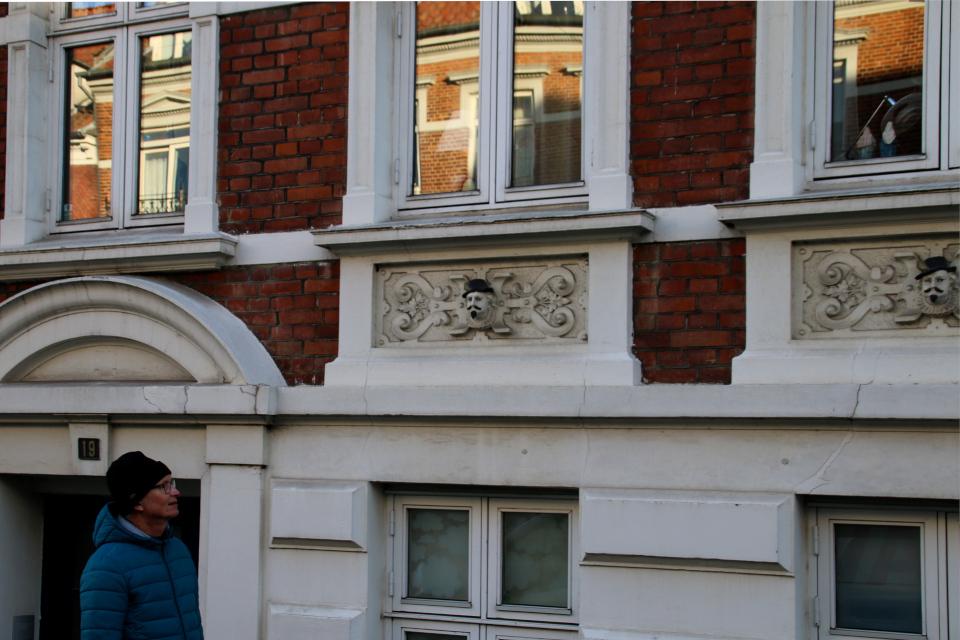 """Разукрашенные """"покровители дома Марселиса"""". Фото 22 янв. 2021, г. Орхус, Дания"""