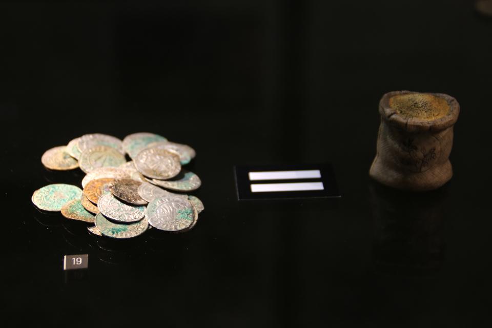 Клад монет Урхой 14 век, музей Вайле, Дания. Фото 12 нояб. 2020