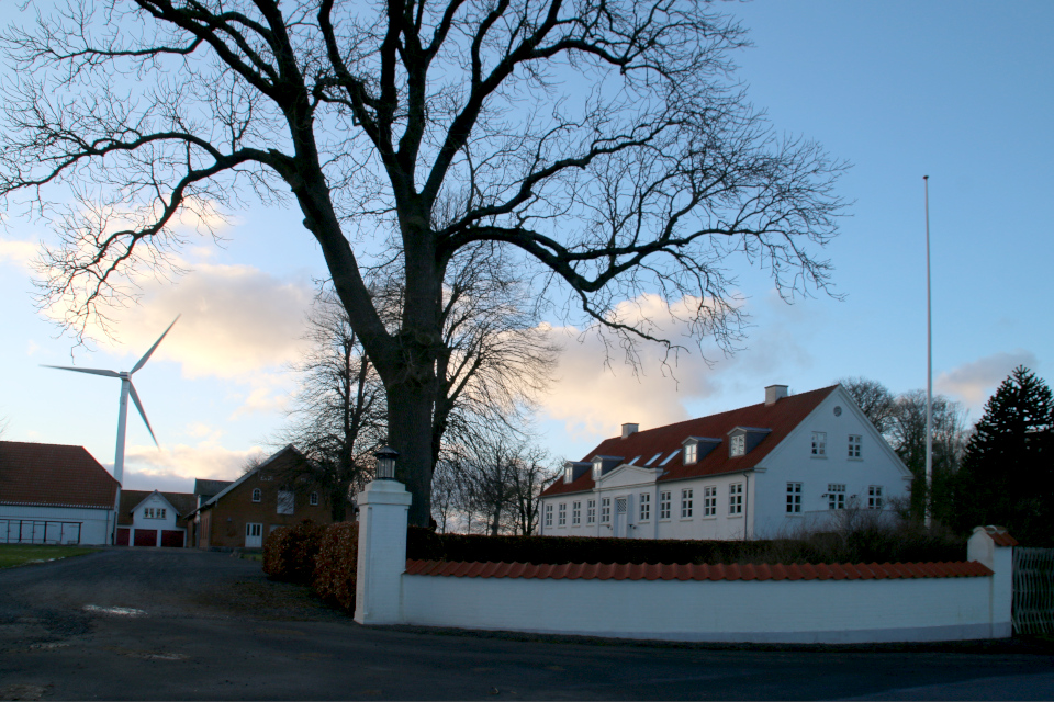 Поместье Герсдорффслунд, главное здание справа