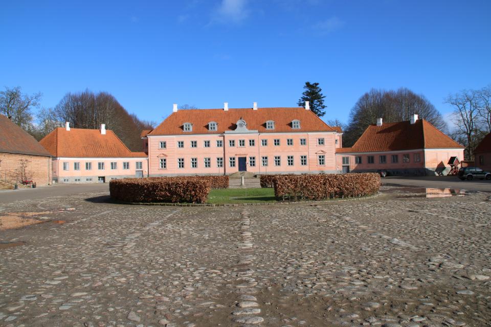 Усадьба Мосгорд - вид со стороны двора.