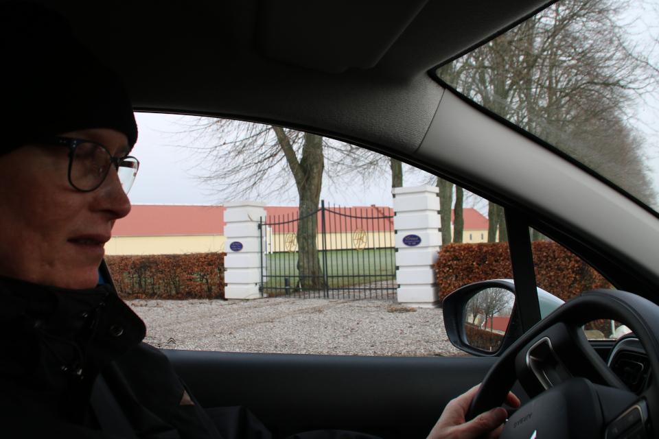 Вид с дороги. Фото 1 фев. 2021, поместье Окэр, г. Оддер, Дания