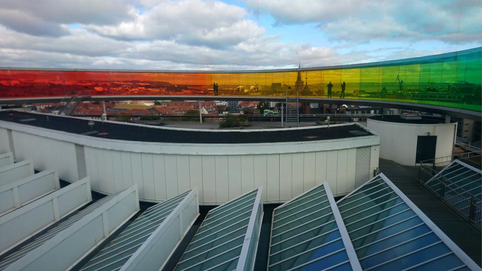 Солнечные панели на крыше музея Арос. г. Орхус, Дания. Фото 9 окт. 2019