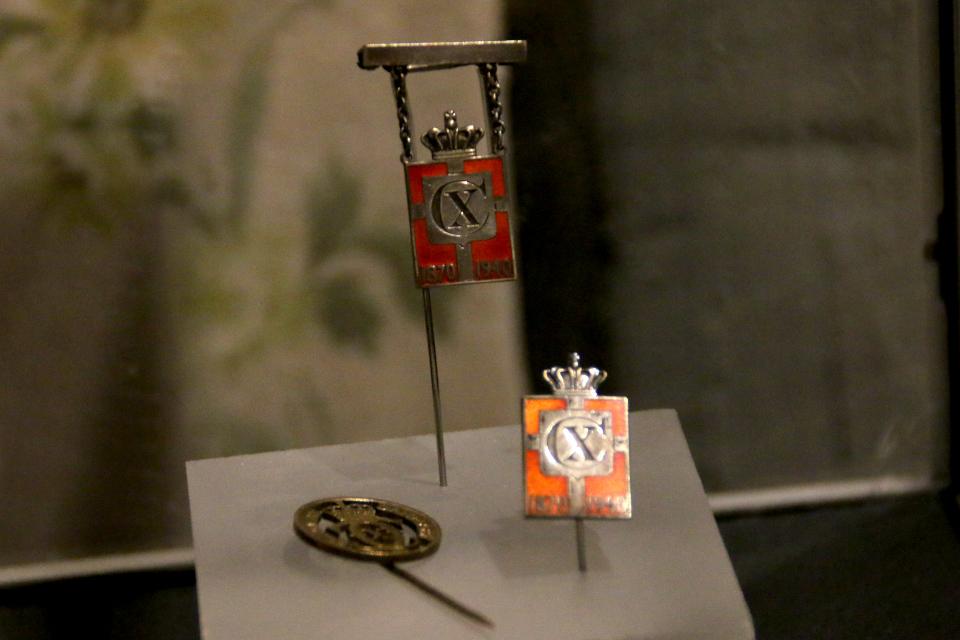 Значки король Кристиан Х. Выставка оккупации Дании в музее Грено. 12 сент. 2020