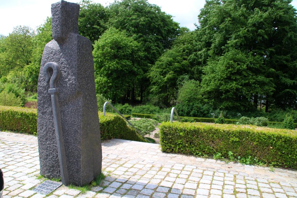 Статуя епископа Гуннер. Фото 2 июн. 2021, Виборг, Дания